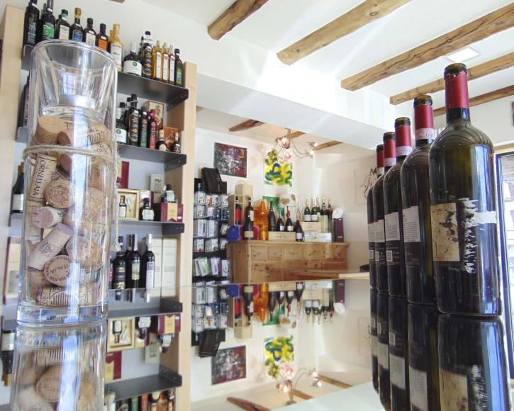 Prospettiva vini in esposizione a Livigno