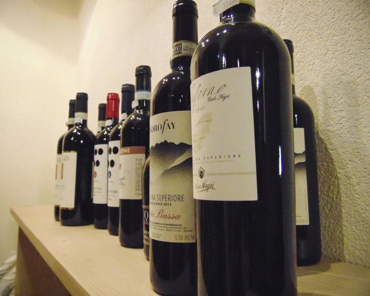 Vini esposti enoteca Vino e Co